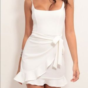 Lucy in the sky  White Ruffle tie dress Size XS